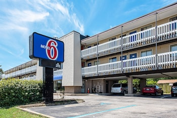 Motel 6 Norfolk - Oceanview photo
