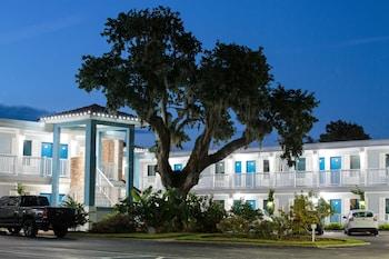 Hotel - Southern Oaks Inn