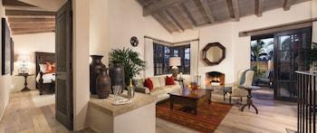 Suite, 1 King Bed (Valencia, 1 Bedroom)