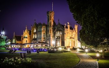 Hotel - The Oakley Court