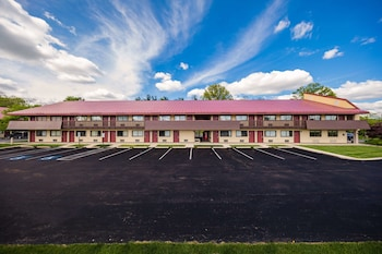 Hotel - Red Roof Inn Cincinnati Northeast - Blue Ash