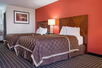 Quality Inn Commerce - Featured Image  - #0