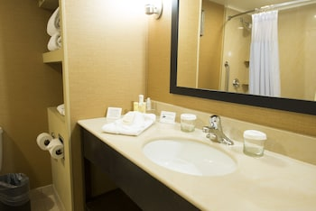 Wyndham Philadelphia - Bucks County - Bathroom  - #0