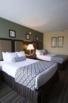 Guestroom at Wyndham Philadelphia - Bucks County in Feasterville-Trevose