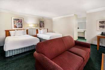 Deluxe Suite, 2 Double Beds, Non Smoking (Deluxe Family Suite)