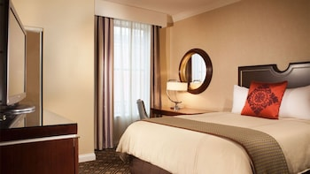 Premier Room, 1 King Bed (Executive)