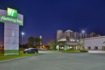 Book Holiday Inn Baton Rouge-South in Baton Rouge.