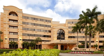 西棕櫚灘機場希爾頓逸林飯店 DoubleTree by Hilton West Palm Beach Airport