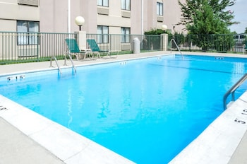 Meridian Vacations - Quality Inn - Property Image 1