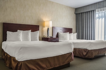 London Vacations - Quality Suites - Property Image 1