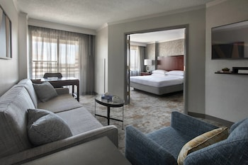 Guestroom at Bethesda Marriott Suites in Bethesda