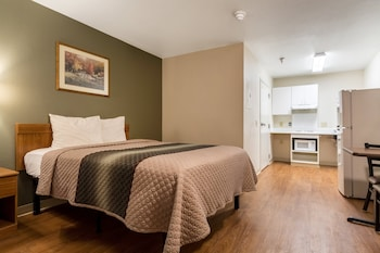Suite, 1 Double Bed, Accessible, Non Smoking (Two rooms, Roll-in  Shower)
