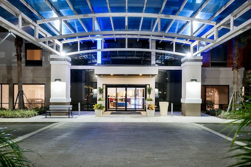 . Holiday Inn Express & Suites Lakeland South, an IHG Hotel
