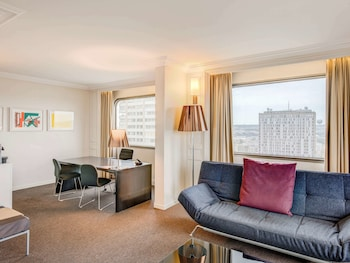Executive Suite, 1 Queen Bed, View