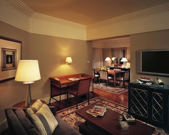 Royal Club Parlor Suite Indulgence Offer-Get 1 Free Room For Kids