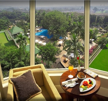 Premier Room, Pool View