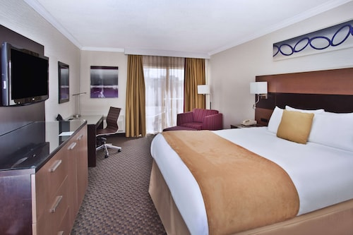 . Radisson Hotel Sudbury