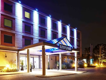 Hotel - Novotel London Heathrow Airport - M4 Jct 4