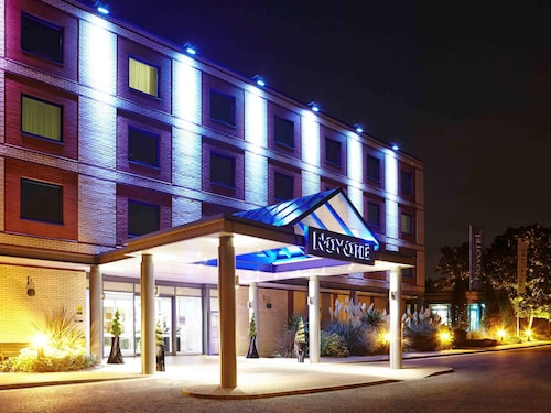 . Novotel London Heathrow Airport - M4 Jct 4