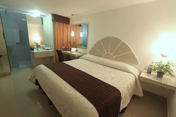 Deluxe Room, 1 King Bed, Executive Level
