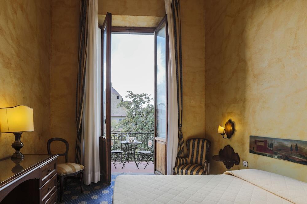 クローチェ ディ マルタ ホテル