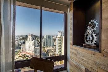 Guestroom at Marriott Vacation Club Pulse, San Diego in San Diego
