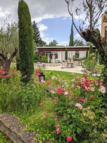 . Hotel Novotel Aix en Provence Pont de l'Arc Fenouillères