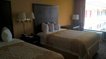 Room, 2 Double Beds, Non Smoking, Poolside