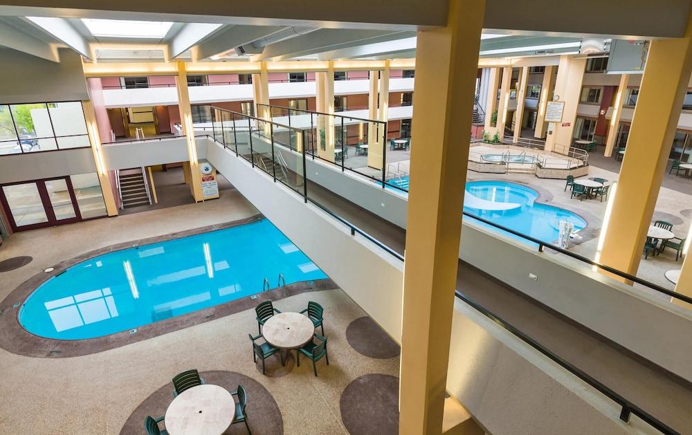 Grand Hotel Minot North Dakota Us Reservations Com