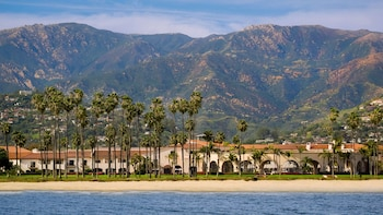 聖芭芭拉希爾頓海濱渡假村 Hilton Santa Barbara Beachfront Resort