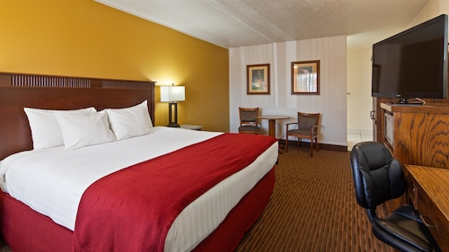 . Best Western Paradise Inn & Resort