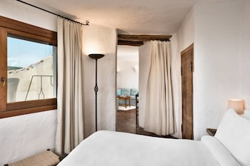 Suite, Multiple Beds, Sea View