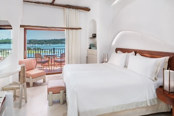Luxury Suite, 1 King Bed, Balcony, Sea View (Contemporary)