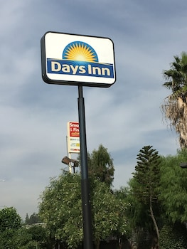 Days Inn by Wyndham Ontario Airport - Exterior detail  - #0