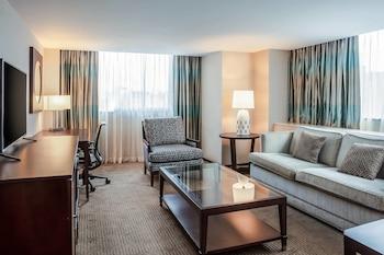 Club Suite, 1 Bedroom, Business Lounge Access, Corner