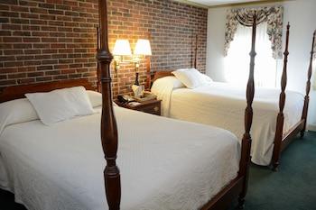Standard Room, 2 Double Beds, Second Floor, Above Lounge