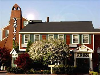 Lamie's Inn and The Old Salt Restaurant