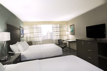 Columbus Vacations - Holiday Inn Columbus Downtown Capitol Square - Property Image 3