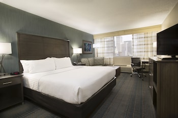Columbus Vacations - Holiday Inn Columbus Downtown Capitol Square - Property Image 1