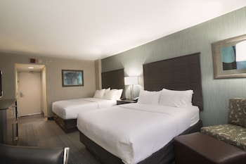 Columbus Vacations - Holiday Inn Columbus Downtown Capitol Square - Property Image 2