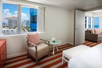 Suite, Multiple Beds, Terrace