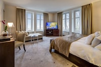 Presidential Suite, 1 King Bed, Lake View