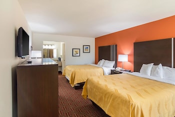 Amarillo Vacations - Quality Inn - Property Image 1