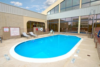 Two Double Beds, Non-Smoking, Roll In Shower