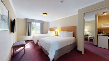 Suite, 2 Double Beds, Non Smoking, Refrigerator & Microwave (Living Room;with Sofabed)
