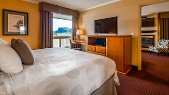 Suite, 1 King Bed, Non Smoking, Balcony