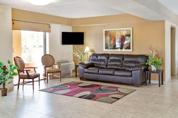 Hotel - Days Inn & Suites by Wyndham Orlando East UCF Area
