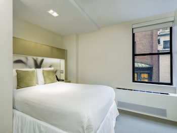 Guestroom at The Shoreham Hotel in New York