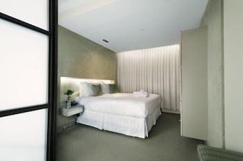 Single Room, 1 Queen Bed
