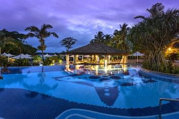 Warwick Le Lagon - Vanuatu - Poolside Bar